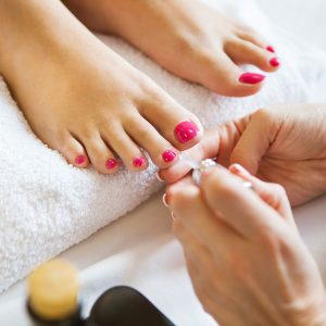 comment-prendre-soin-ses-ongles-pied